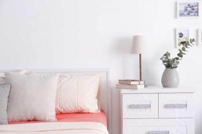 Bedside Tables Should Not be Too Tall or Too Short